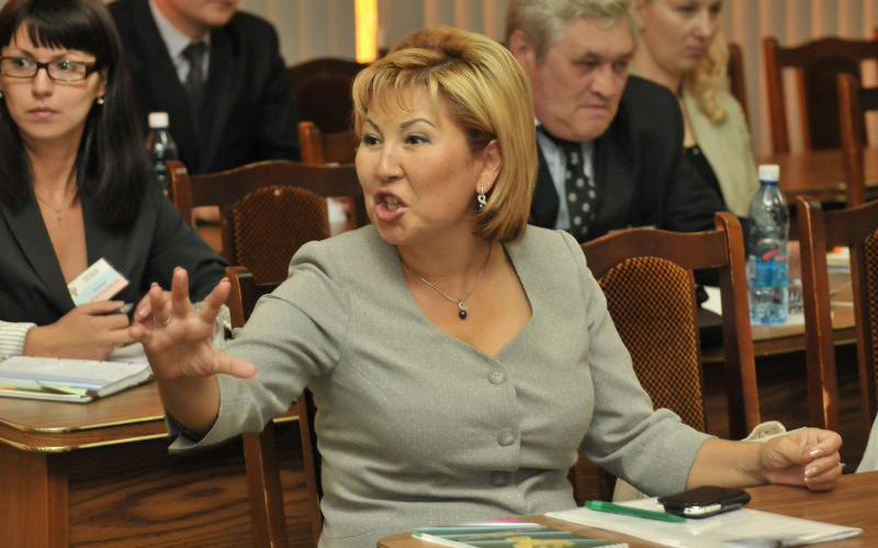 Уличенная вкоррупции руководитель алтайского УФАС отделалась штрафом
